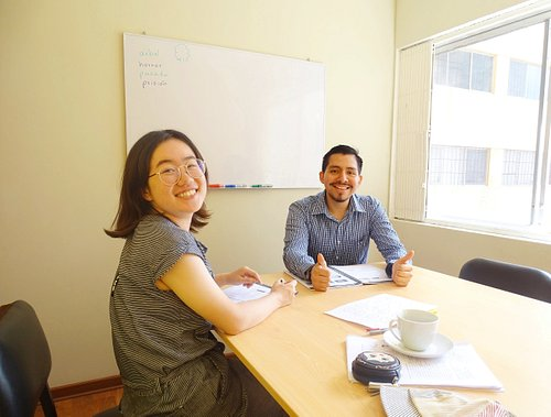 Our teacher Jorge and his student Yiu. Smile guys!!!  :)
