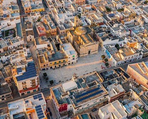 La chiesa matrice, oggi dedicata ai Santi Pancrazio Martire e Francesco d'Assisi, venne costruita circa nel 1860 La struttura si presenta in posizione prospettica sull'ampia Piazza Umberto I, lungo la strada provinciale 7/ter Lecce-Taranto.