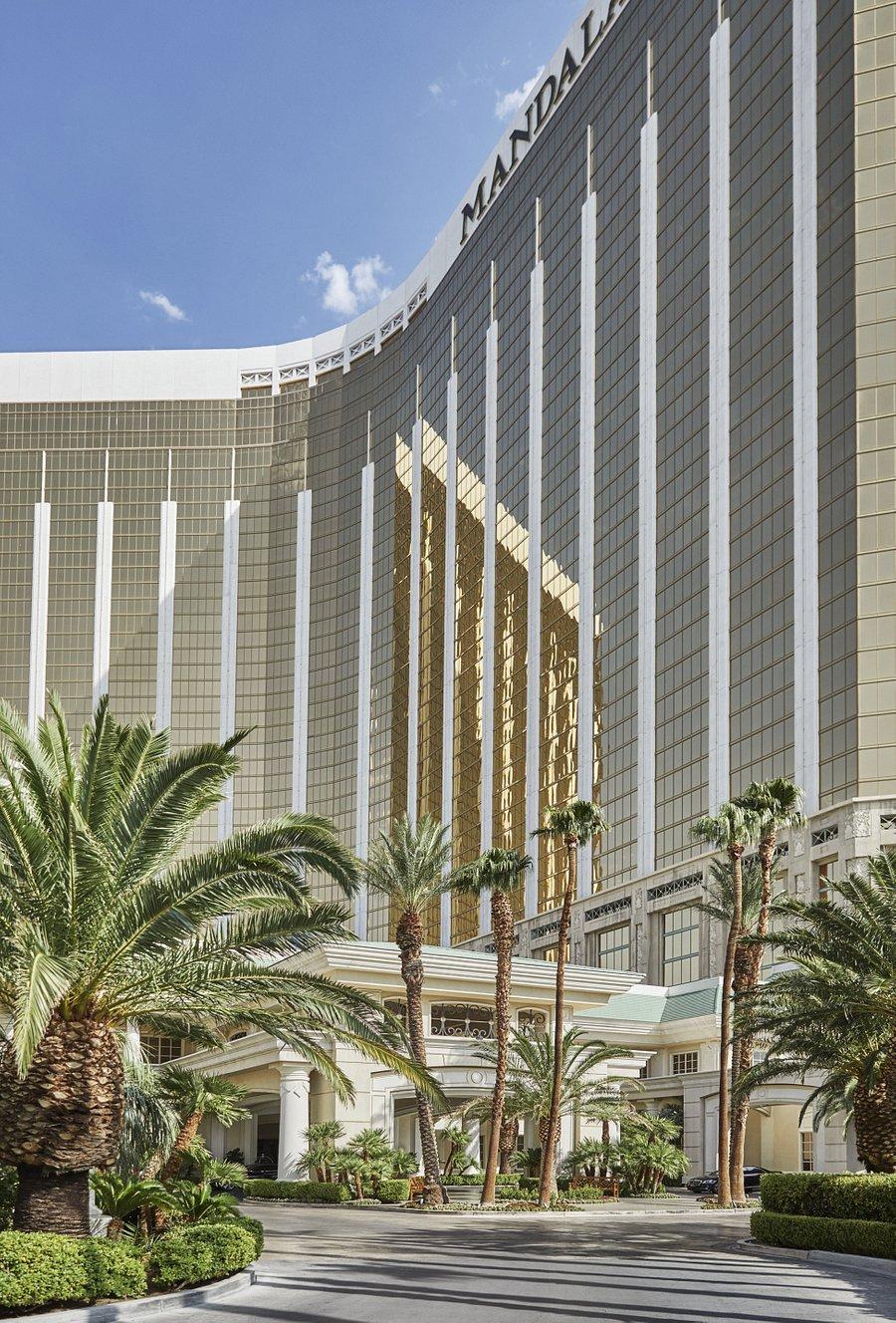 Four Seasons Hotel Las Vegas 200 7 0 6 Updated 2020 Prices Reviews Nv Tripadvisor