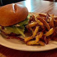 Brasserie Burger w/ Frites