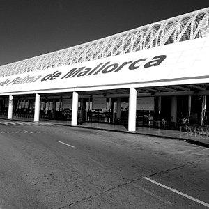 The Palma Airport departure terminal
