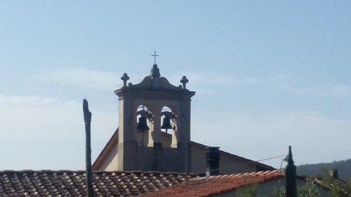 il caratteristico campanile a vela
