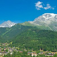 Le village des Contamines-Montjoie, au pied du massif du Mont-Blanc.