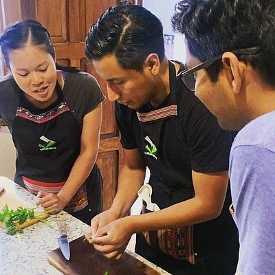 By La Boca del Sapo, a unique Bolivian cooking class with cocktail making in the heart of the beautiful white city of Sucre.