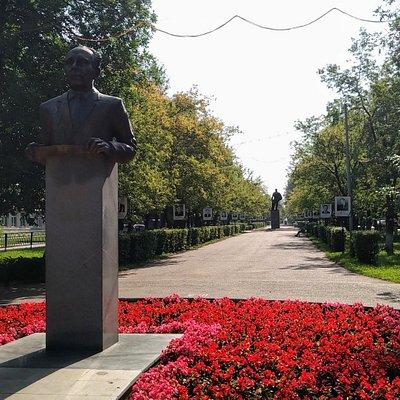 Памятник Евгению Карцеву, Нефтекамск.