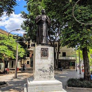 Statue of Manuel Jose Cayzedo facing the Cathedral Basilica Metropolitan.