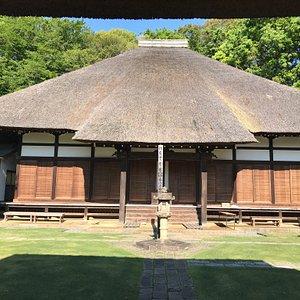 茅葺き屋根のお寺