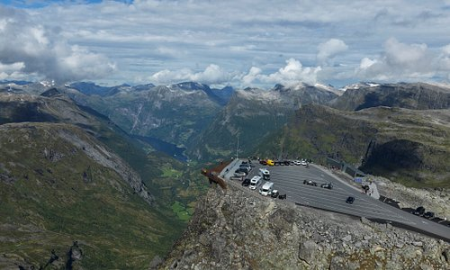 Overview of Geiranger Skywalk Dalsnibba with shop