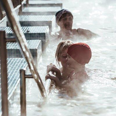 Для детей в бассейне предусмотрена детская зона.