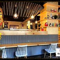 Akabeko Japanese Bar. Barra Principal.