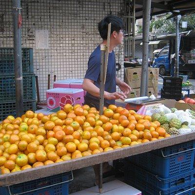 Oranges for sale at market