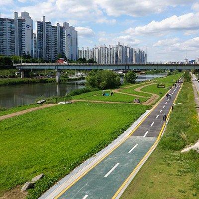 Jungnangcheon  Park