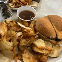 Cheeseburger with raw fries and gravy