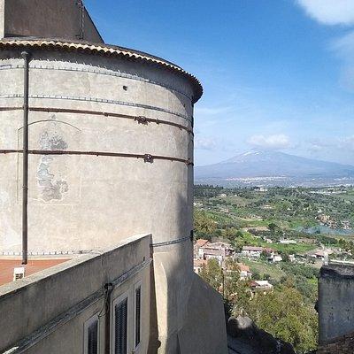 Vista sull'Etna dal Dongione