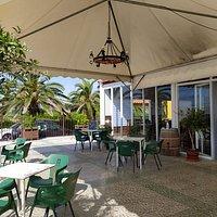Restaurante Oasis, un lugar donde disfrutar tranquilamente de una buena comida en cualquier época incluso en estos tiempos de pandemia en los que hemos adaptado nuestras instalaciones a las medidas de seguridad necesarias. Ven y disfruta con nosotros