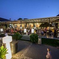 Bona Lounge terrace