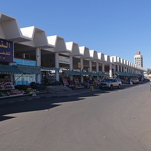 Popular market Hail(女性市場)の南側にある果物市場の、さらに南にある野菜市場