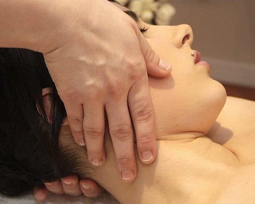 Sesion de osteopatia cervical