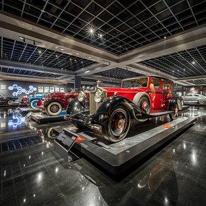 exhibition hall Rolls Royce Exhibiton