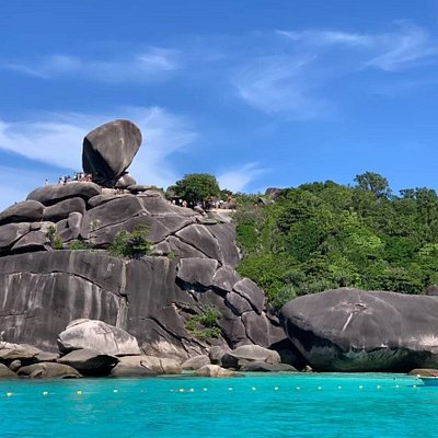The Similan Islands are located in the Andaman Sea on the West Coast of Southern Thailand, in Lam Kaen, Thai Mueang District, Phang-nga to be exact. The Similan archipelago consists of eleven islands, which are called Koh Bangu, Koh Bon, Koh Ha, Koh Hin Pousar, Koh Huyong, Koh Meang, Koh Payan, Koh Payang, Koh Payu, Koh Similan and Koh Tachai. All the Islands are located in the Mu Koh Similan National Park, which covers over 140 square kilometers.
