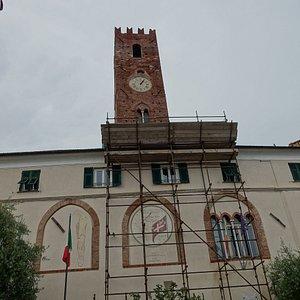 La Torre del Comune, una delle 4 torri medievali rimaste nel borgo di Noli, molto ben conservata.