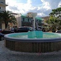 La Fontana in pietra lavorata a mano