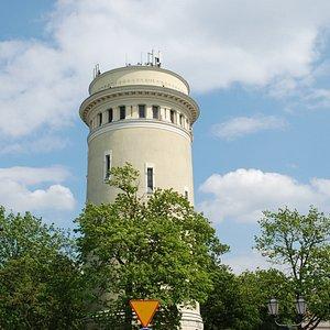 Wieża z oddali