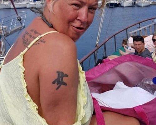 Sadie on board soaking up the Devon ☀️
