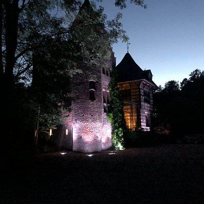 Haus Donk bei Nacht