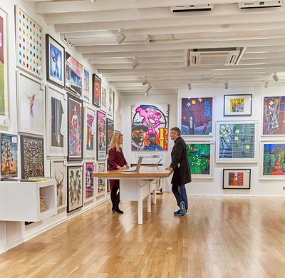 Find helpful, friendly art advice at Enter Gallery