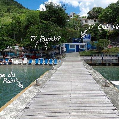 Notre centre DEEP TURTLE PLONGEE sur la magnifique plage de Grande Anse d'Arlet en Martinique, au coeur des plus beaux sites de plongée (moins de 10mn de navigation)  et de la fameuse plongée du Rocher Du Diamant