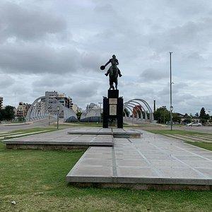 Monumento al Brigadier General Bustos: Ciudad de Còrdoba- Argentina 2020.