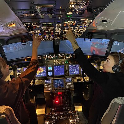 Our girls sure know how to fly !! Captains Jess and Keila taking charge of the Boeing 737 preparing for take off.