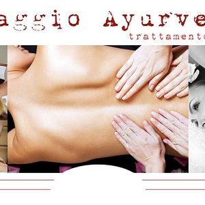 Four hands ayurvedic massage