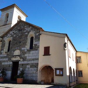 vista facciata campanile e locali adiacenti