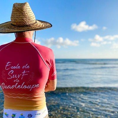 Thibault, moniteur de surf  qualifié et expérimenté - Ecole de Surf de Guadeloupe