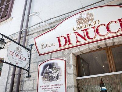 Punto vendita aziendale - via Roma 12