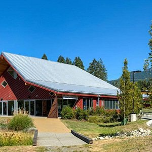 Cowichan Regional Visitor Centre designed after an iconic Cowichan barn