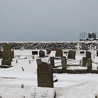 Friedhof um die Stokkseyri Kirkja im Februar 2020