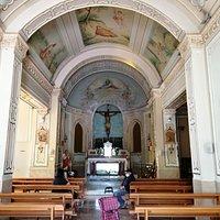 L'interno della Chiesa, a una sola navata.
