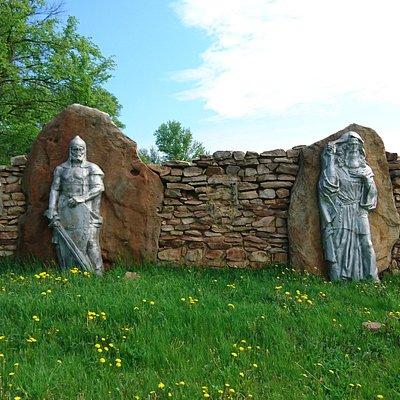 Древний воин и Святой Кукша