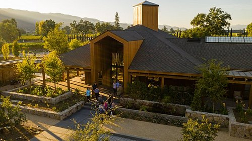 Cakebread Cellars is a family owned and operated winery founded by Jack and Dolores Cakebread in 1973. Their sons, Dennis and Bruce, have continued the family business with winemaker Stephanie Jacobs.