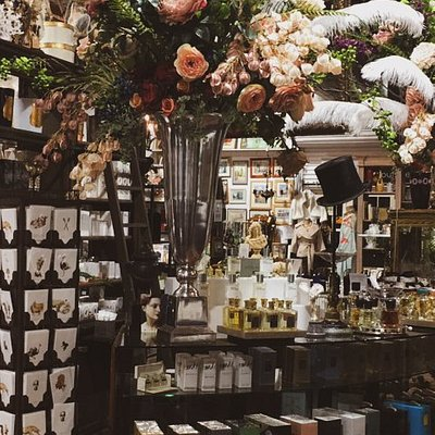 Canberra's best range of niche perfumes from old world European fragrance houses and modern innovations. Canberra's official stockist of Cire Trudon candles and perfumes.