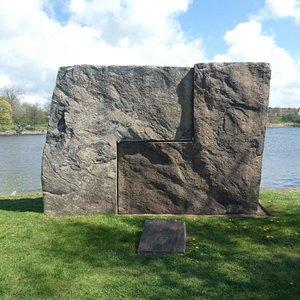Skulpturen ''Enhet 1 & 2'' vid Ätran i Falkenberg