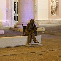Statua di Gabriele D'Annunzio