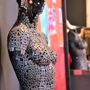 Exhibition of William Nunnikhoven at MAX art & fashion