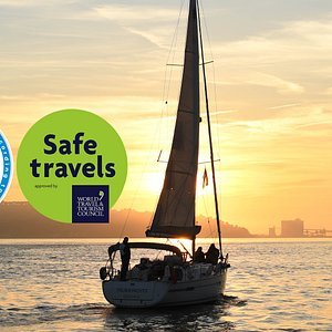 Lisbon Sunset Cruise- You can choose a private tour or buy a ticket for a group tour. Have the experience of a lifetime on a beautiful sailing boat while thw sun comes down in Lisbon. The colours are mesmerizing!