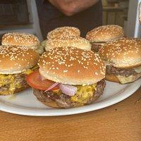 Burgers maison cuisson feu de bois