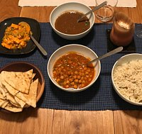 Mutter Paneer, Lenticchie, Ceci, Riso e Naan Take away