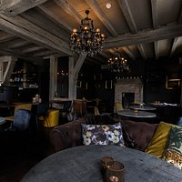 Cosy and trendy atmosphere.
